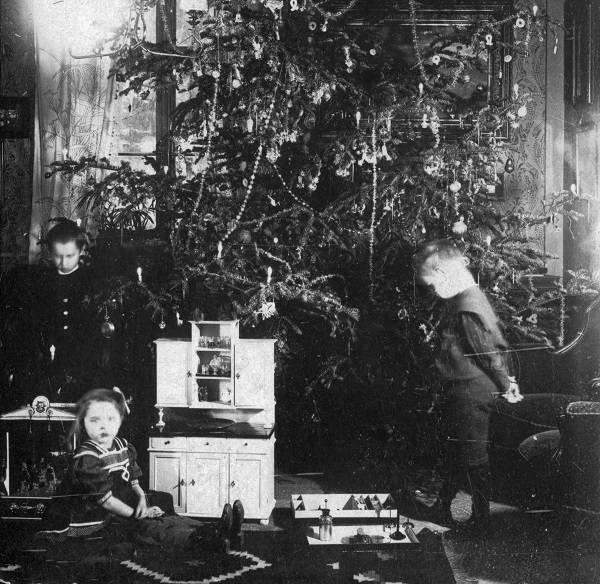 Karácsonyeste száz évvel ezelőtt (Forrás: Fortepan)