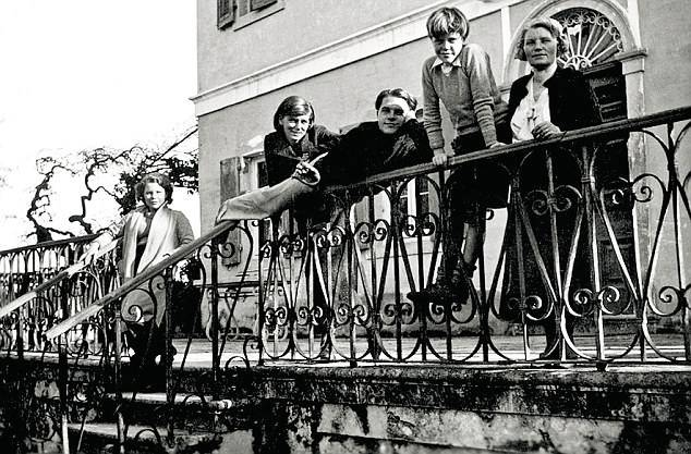 A Durrell család Korfun • Forrás: dailymail.co.uk