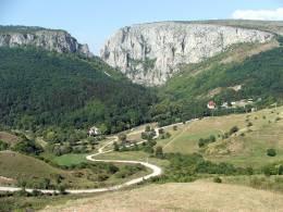 A Tordai-hasadék sziklacsodái között