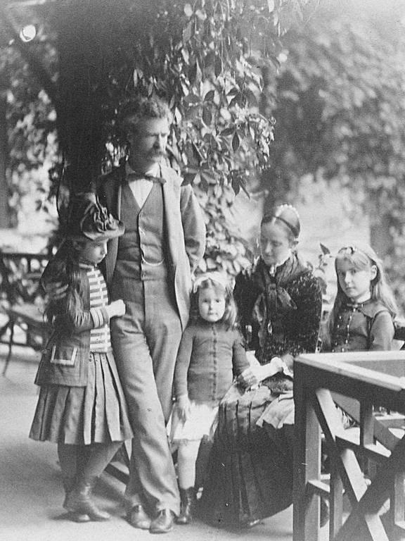 A Clemens-család • Forrás: pinterest.com
