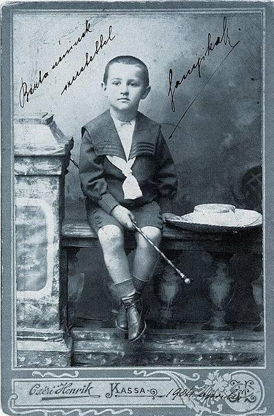 Márai gyermekkorában. Forrás: Wikimédia